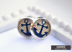 anker-blue-red-dots